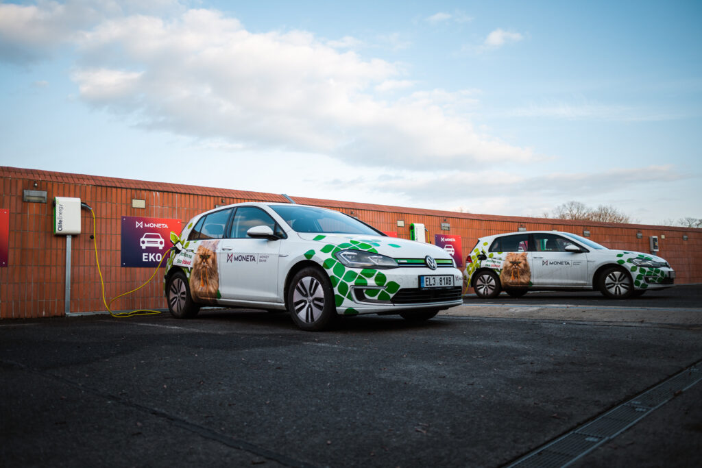 OlifeEnergy Doubleboxes recharging Moneta Bank's fleet of electric VW eGolfs.